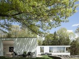 Autorem vily je architekt Edward Larrabee Barnes, který navrhl části