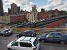 Auta naj�d�j�c� na Brooklynsk� most v New Yorku vytvo�ila ve v�ech sm�rech
