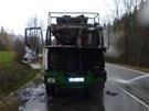 Na Šumpersku shořel nákladní automobil.