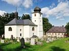 Opravený kostel v Martínkovicích na Broumovsku.