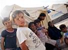 Vládní speciál přivezl do jordánského Ammánu humanitární pomoc určenou syrským...