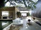Vila stojí v brazilském Sao Paulu, kde ani v nejchladnějším měsíci roku,