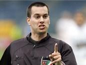 Fotbalový rozhodčí Tomáš Adámek na snímku z dubna 2006