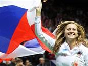 SLÁVA. Petra Kvitová slaví triumf českého celku ve Fed Cupu.