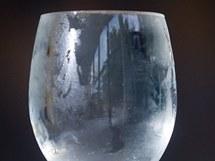 Mění se táním objem sklenice? Přetéká voda?