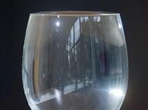 Po roztátí ledu sklenice nepřeteče - roztátá voda vyplní prostor, kde byl prve...