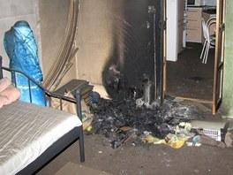 Škoda v bytě byla předběžně vyčíslena na sto tisíc korun. (9. listopadu 2012)