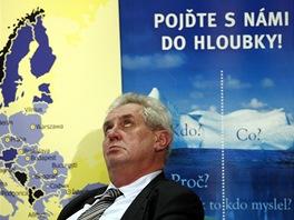 Miloš Zeman - debata prezidentských kandidátů o evropské vizi v sále FSV UK v