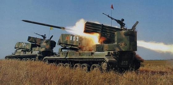 Čínský raketomet PHZ-89 s nabíjecím zařízením byl pokračovatelem Gradu.