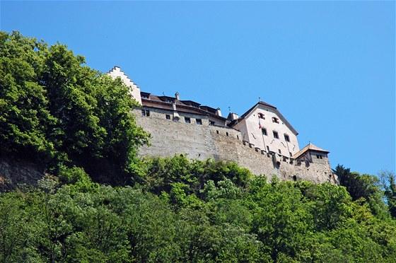 V hradě nad městem sídlí knížecí rodina.