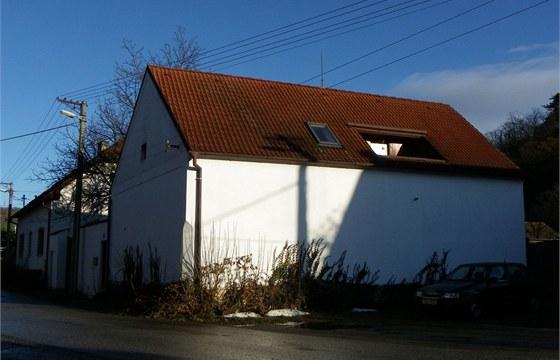 Přízemí domu má 60 centimetrů tlusté zdi postavené ze směsi kamene a cihlových...