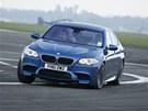 V zatáčkách sedělo BMW M5 jako přibyté.