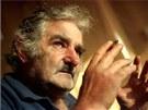 Uruguaysk� prezident Jos� Mujica d�v� devades�t procent sv�ho platu charit�.