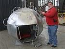 První kosmonaut J. A. Gagarin měl při svém letu okolo Země v kabině velmi málo...