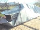 Poničená střecha ve Frenštátě pdo Radhoštěm.