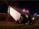 Kamion skončil na Chrudimsku v příkopě vedle silnice. Šofér od nehody utekl,