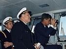 Prezident Spojených států na můstku Enterprise při manévrech vdubnu 1962.
