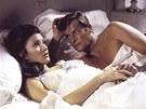 Jane Seymourová s Rogerem Moorem jako jeho Bond girl