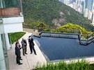 Spodní zahradní apartmány mají vlastní bazén.