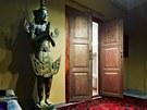Byt je situovaný do suterénních prostor, a proto majitel chtěl, aby vstup