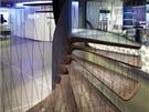 Po těchto schodech z restaurace musí vystoupat každý, kdo chce přespat v