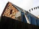 Spolek přátel města Kraslice začal s opravami historické hrázděnky na rohu ulic