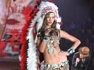 Modelka Karlie Klossov� na p�ehl�dce Victoria's Secret