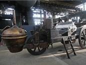 V Dolní oblasti Vítkovic stojí i první pojízdný parostroj. (14. listopadu 2012)