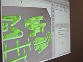 Software dodávaný k tiskárně umí přesně zobrazit tisknutý model, průběh tisku i...