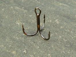 Trojháčky nejsou k rybám šetrné.