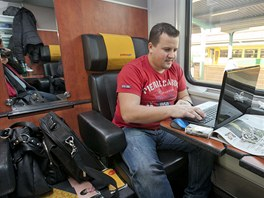 Osobn� �elezni�n� dopravu mezi Prahou a Ostravou poskytuj� nov� t�i