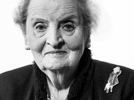 Madeleine Albrightov� pro projekt V�rn� z�stanu k filmu Ho��c� ke� re�is�rky