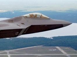 Stíhačka F-22 Raptor nad leteckou základnou Tyndall na Floridě