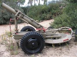 Minomet Soltam M-66 ráže 160 mm, jehož bezlicenční kopie vyrábí Írán a dodává