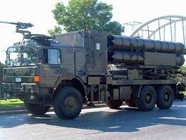 Čínský raketomet WS-1 ráže 302 mm z výzbroje turecké armády.