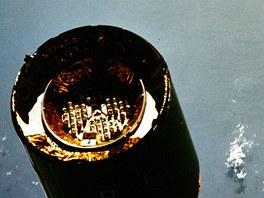 Posádka raketoplánu Endeavour pořídila tuto fotografii družice Intelsat-603