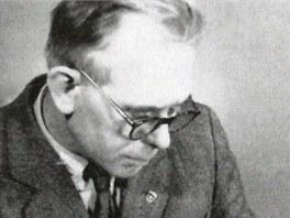 Profesor jihlavsk� st�edn� �koly Franti�ek Navara.