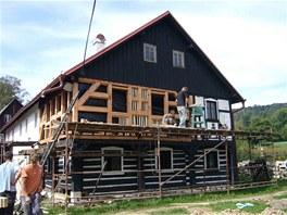 Majitelé postupně vyměnili více jak polovinu roubených i hrázděných konstrukcí.