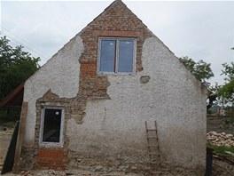 Dům získal i okno ve štítu.