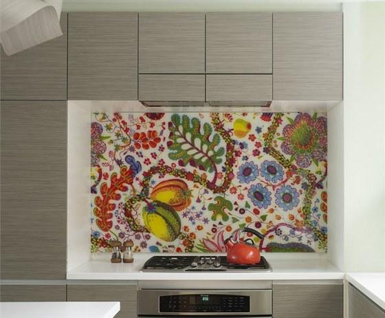 V kuchyni byly použity textilie se skandinávskými vzory od švédského architekta