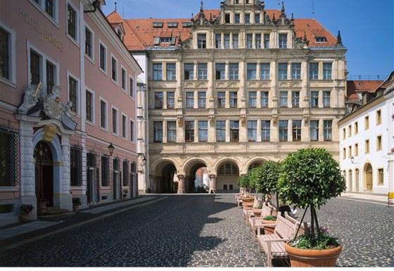 Romantické město, plné renesančních, gotických a barokních i secesních památek,