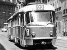 Tétrojka na lince číslo 22 vKarmelitské ulici kolem roku 1973.