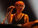 Zpěvačka Jo Lawry doprovázela Stinga při koncertě v ostravské ČEZ Aréně.