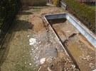 Bazén zabírá podstatnou část zahrady. Jak se s tím popasovat?