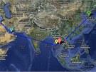 Trasa letu Korean Air 858. Modrá šipka - Bagdád, tyrkysová šipka - Abú Zabí,...