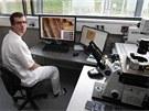 Jedna z nových laboratoří slavnostně otevřené budovy Biomedregu - Ústavu molekulární a translační medicíny.