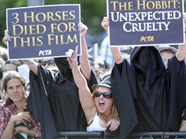 Protesty organizace PETA na premiéře filmu Hobit: Neočekávaná cesta