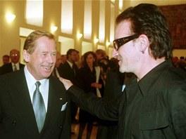 Prezident Václav Havel se setkal se zpěvákem skupiny U2 Bono Voxem. (25. září