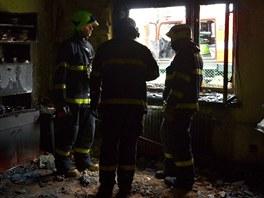 Hasi�i ve sp�len�m pokoji v domku v Horn� Such�. (22. listopadu 2012)