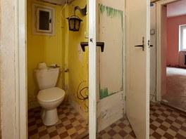 Stav toalety odpovídal dalším prostorám.